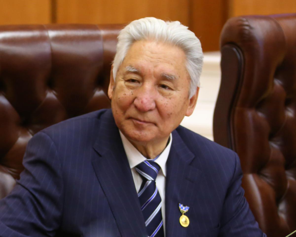 "Климент  Иванов: ""90-ус сылларга Саҥа Саха сирин акылаата ууруллубута"""
