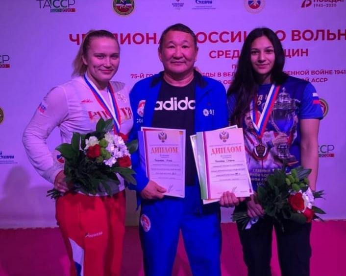 Казымова, Назарова — тустууга Арассыыйа призердара