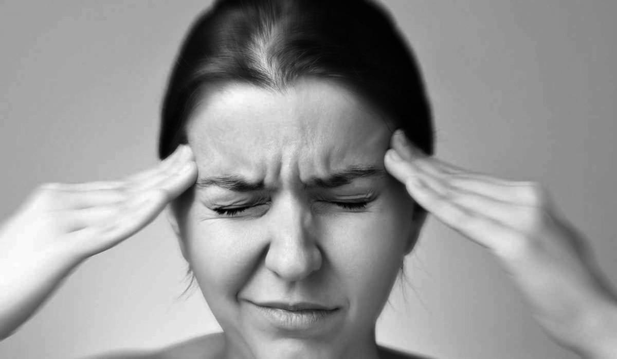 """Невролог Анна Игнатьева: """"Төбө ыарыытын 160 көрүҥэ баар"""""""
