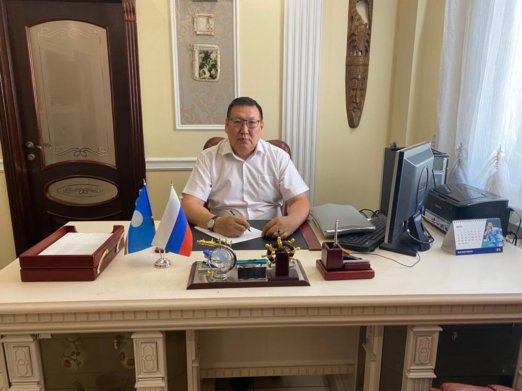 Любомир Михайлов-Уххаан:  «Сааскы-күһүҥҥү өртөөһүнү тыа сирдэригэр сокуонунан көҥүллүөххэ»